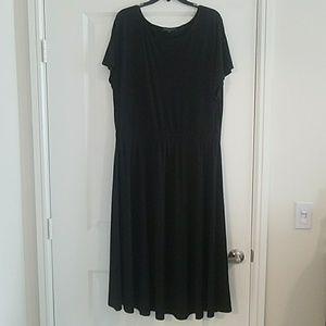 Eloquii black short sleeve midi dress